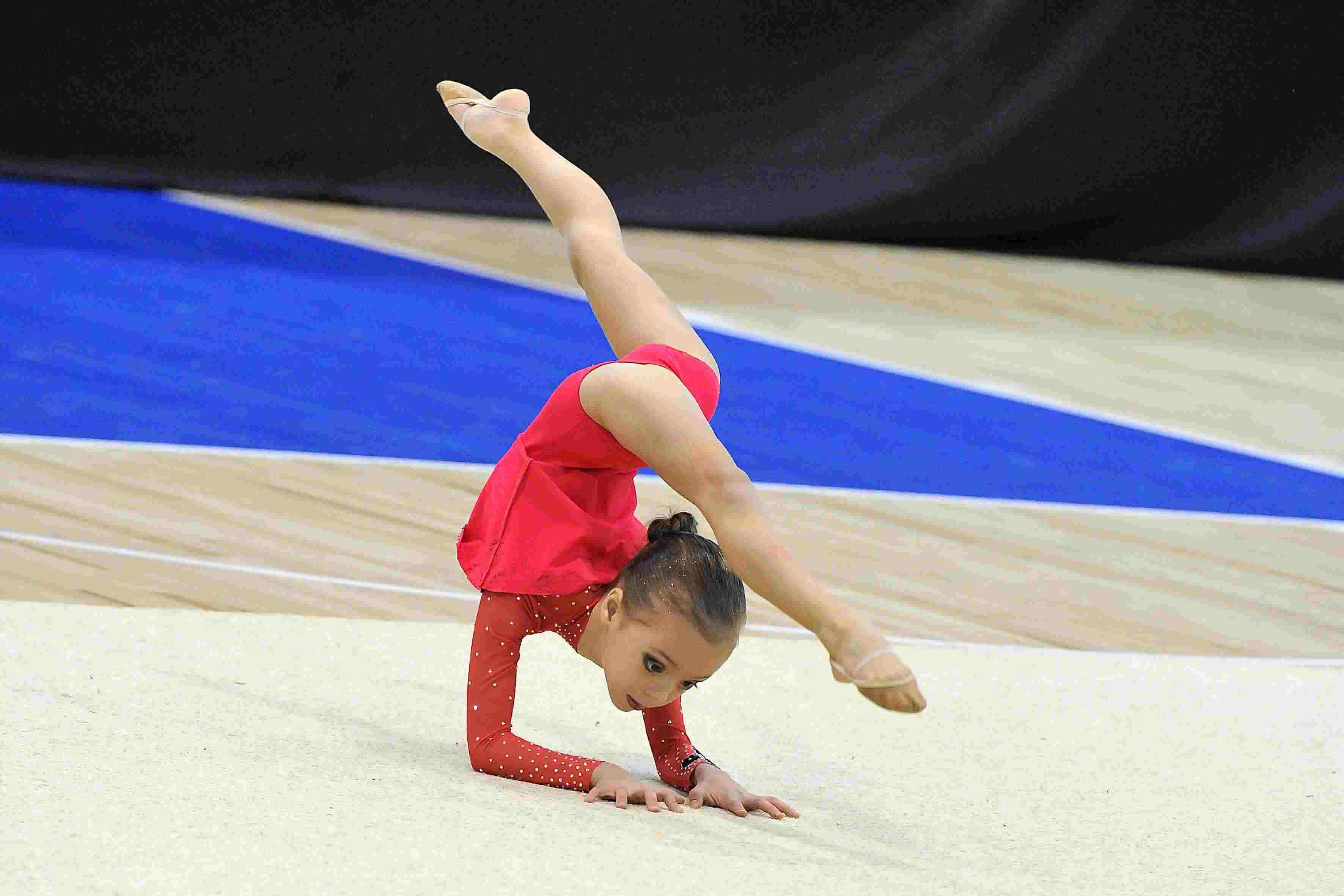 Фотографии юные гимнастки фото 20 фотография